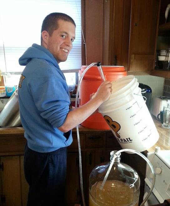 http://brightsidealeworks.com/wp-content/uploads/2017/05/Andrew_Frana_Homebrewing.jpg